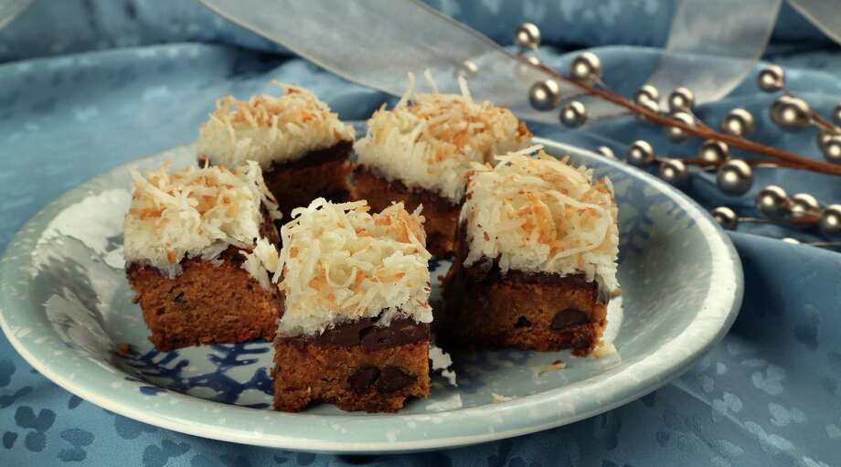The key to Brown Butter Blondies With Macaroon Topping is perfectly browned butter. Photo: Karen Warren, Staff / © 2013 Houston Chronicle