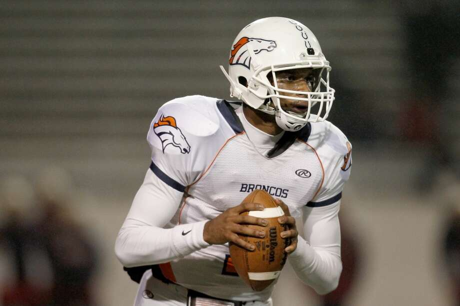 QB Ronald Monroe, Sr., Bush Monroe threw for more than 3,300 yards and 41 touchdowns, while adding more than 800 yards and 14 TDs on the ground. Photo: Thomas B. Shea, For The Chronicle