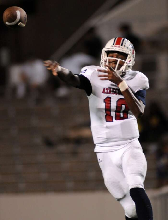 SECOND TEAM OFFENSE  QB Greg Campbell, Sr., Atascocita Photo: Jerry Baker, For The Chronicle