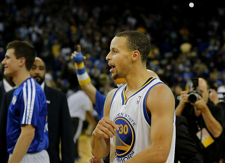 """Warriors point guard Stephen Curry is """"playing at an all-time high,"""" according to Golden State head coach Mark Jackson. Photo: Brant Ward, The Chronicle"""