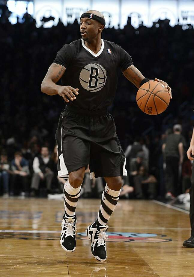 Jason Terry #31 of the Brooklyn Nets controls the ball during the third quarter against the Chicago Bulls at the Barclays Center on December 25, 2013 in the Brooklyn borough of New York City. Photo: Christopher Pasatieri, Getty Images