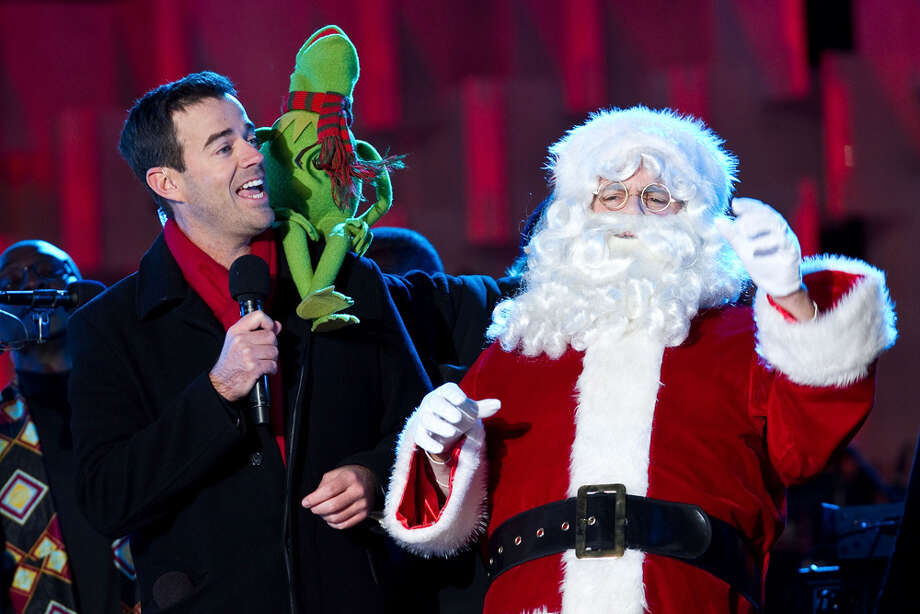 Santa with Carson Daly and Kermit the Frog at the National Christmas Tree lighting ceremony at President's Park in Washington, D.C., on Dec. 1, 2011. Photo: Paul Morigi, Getty Images / 2011 Paul Morigi
