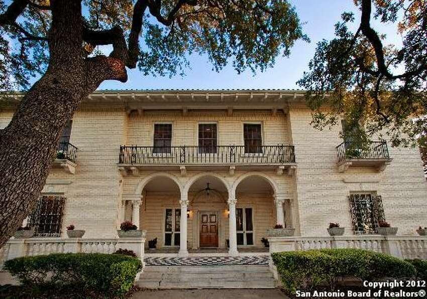 302 W. Mulberry Ave., San Antonio, TX 78212