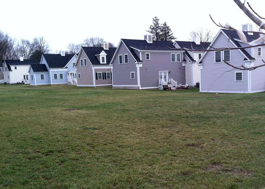 A community garden may be developed on the north side of the common lawn at the Hales Court hokusing complex. Photo: Jarret Liotta / Westport News contributed