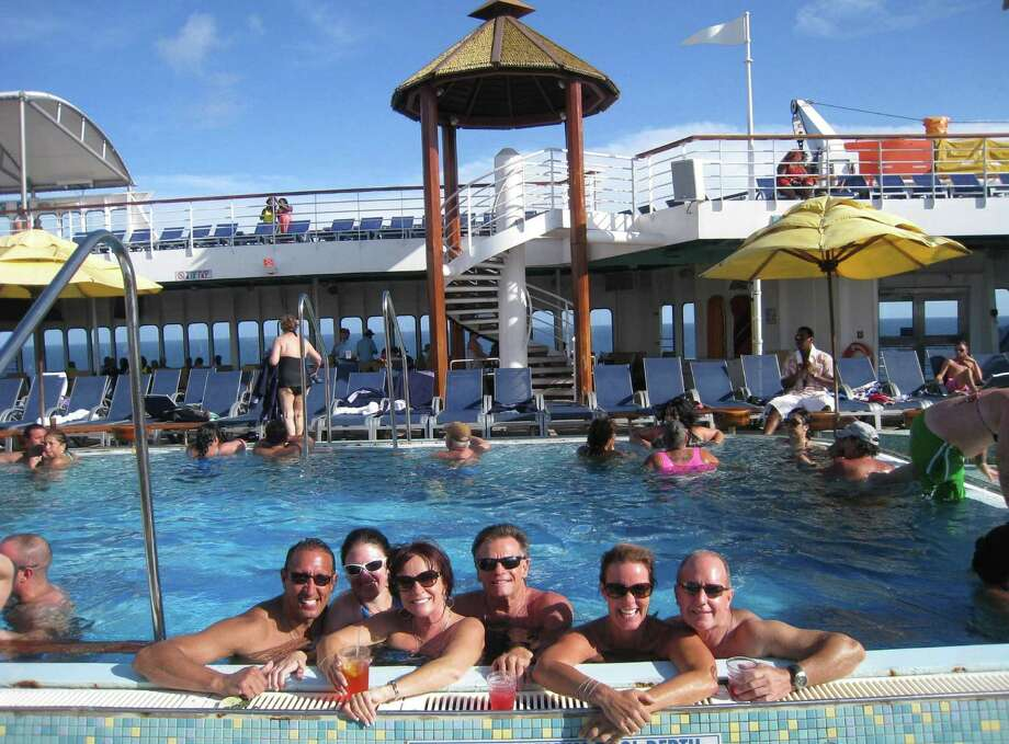 Guests on the Carnival Imagination singles cruise can quickly become close friends, some even closer yet. Photo: Alexia Elejalde-Ruiz / Chicago Tribune / Chicago Tribune