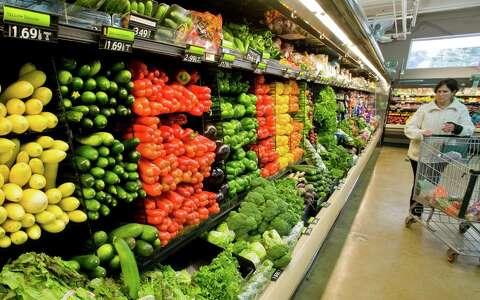 Caraluzzi's looks to open Danbury market - NewsTimes