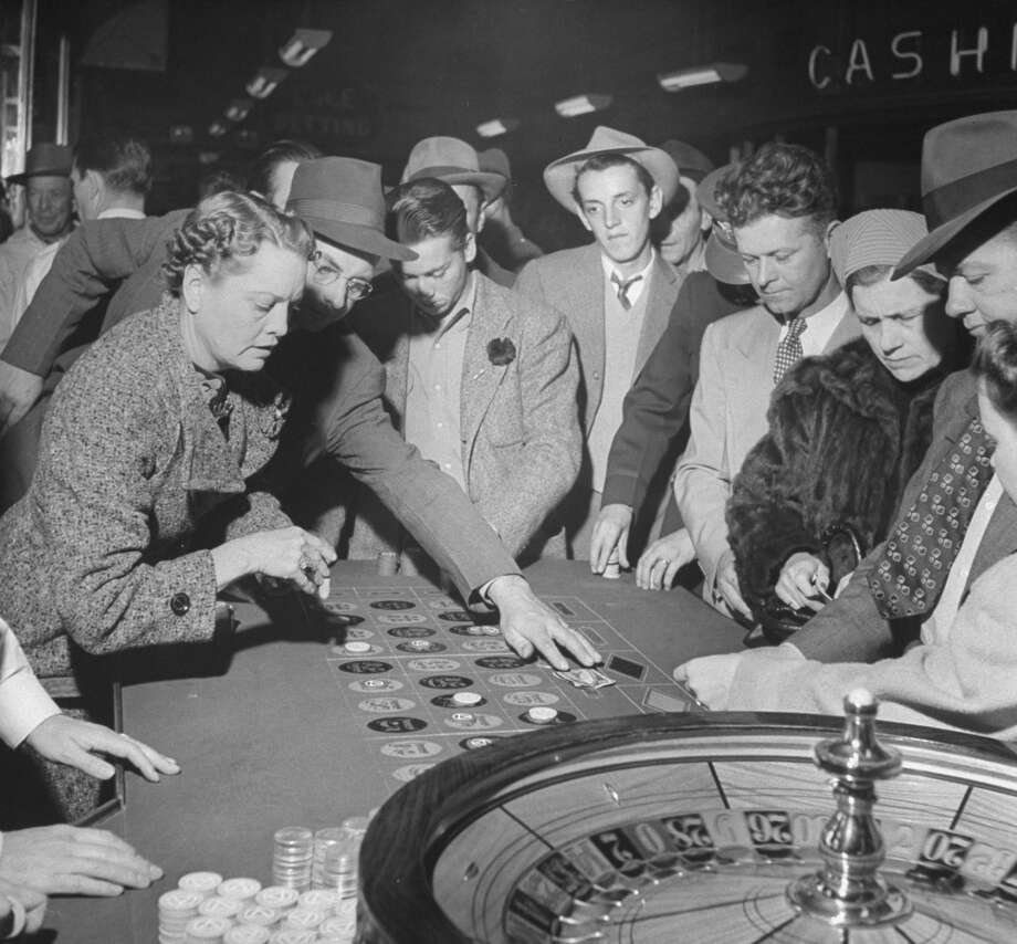 Playing the roulette wheel in a Las Vegas club in 1942. Photo: Peter Stackpole, Time & Life Pictures/Getty Image
