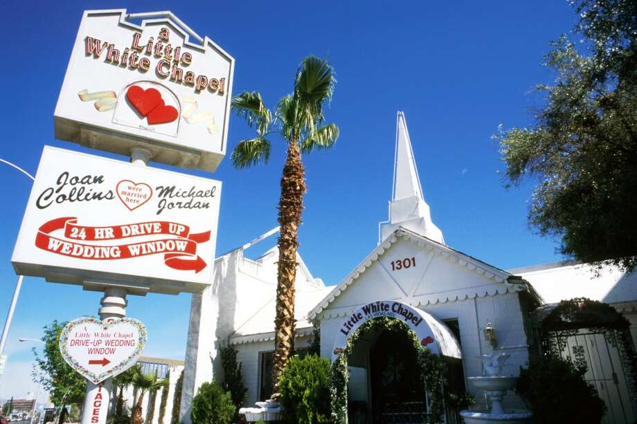 A Little White Chapel Wedding Chapel, seen here in 2001, was erected in 1951 and has married some of America's loveliest couples. Such couples include Paul Newman and Joanne Woodward in 1958, Judy Garland and Mark Herron in 1965, Frank Sinatra and Mia Farrow in 1966, Bruce Willis and Demi Moore in 1987, and of course Britney Spears and Jason Allen Alexander's 55-hour marriage in 2004. Photo: Education Images, UIG Via Getty Images
