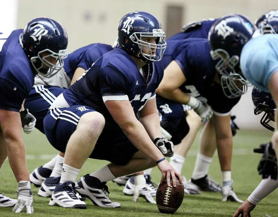 Nate Richards landed at Rice after playing at a junior college, and he immediately brought stability to the Owls' inexperienced offensive line. The center has played a key role in helping Rice reach a bowl and in a rushing attack that ranks 16th in the nation. Photo: Khampha Bouaphanh, MBI / The Fort Worth Star-Telegram
