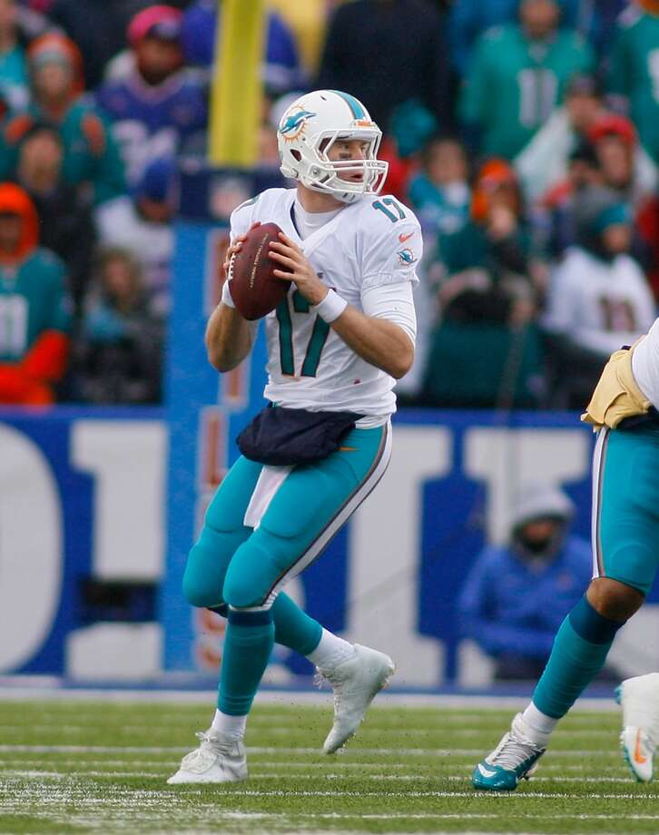 NY Jets (7-8) plus-6 ½ at Miami (7-8): Dolphins 20-17 Photo: Rick Stewart, Getty Images