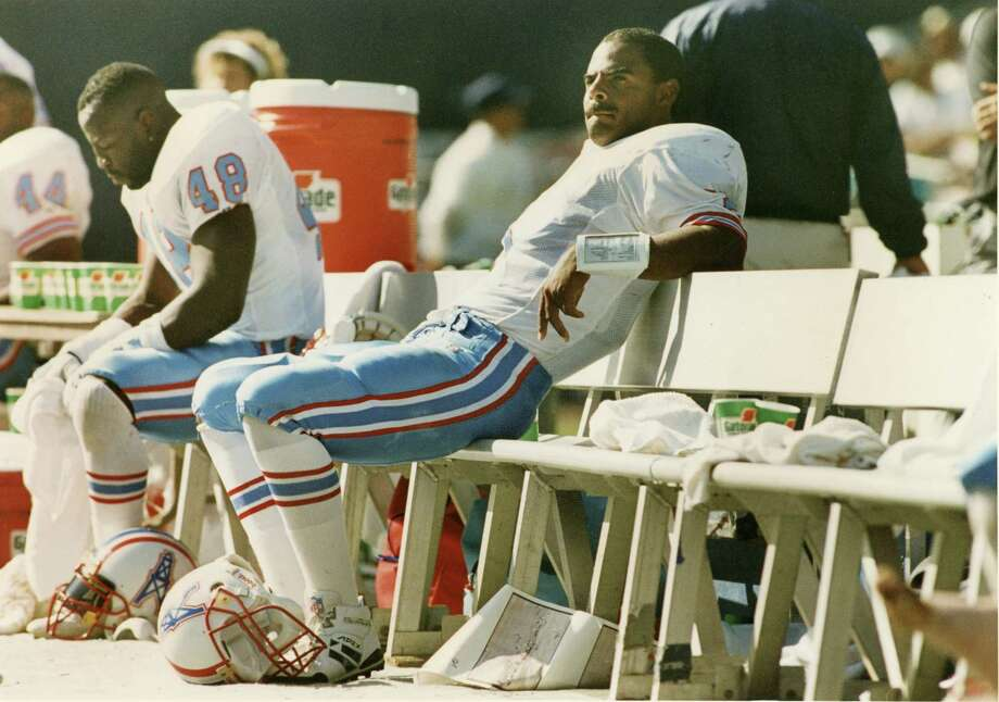 The 1993 season was embarrassing, rewarding and, ultimately, heartbreaking for Houston Oilers quarterback Warren Moon. He was benched after the team's 1-4 start but returned to the starting lineup to win 11 straight games and lead the Oilers to the division title. The season ended with a playoff loss to the visiting Chiefs and Joe Montana. Photo: John Makely, HP Staff / Houston Post files
