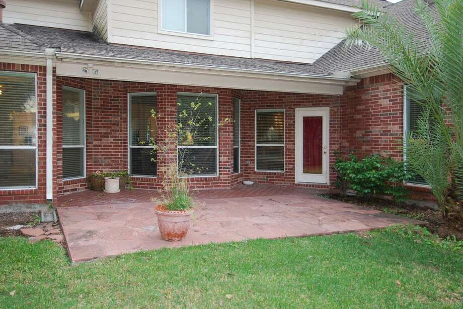 7418 Guinevere:This 1999 home has 4 bedrooms, 3.5 bathrooms, 4,245 square feet, and is located in Sugar Land. Open house: 12/29/2013, 2 p.m. to 4 p.m.