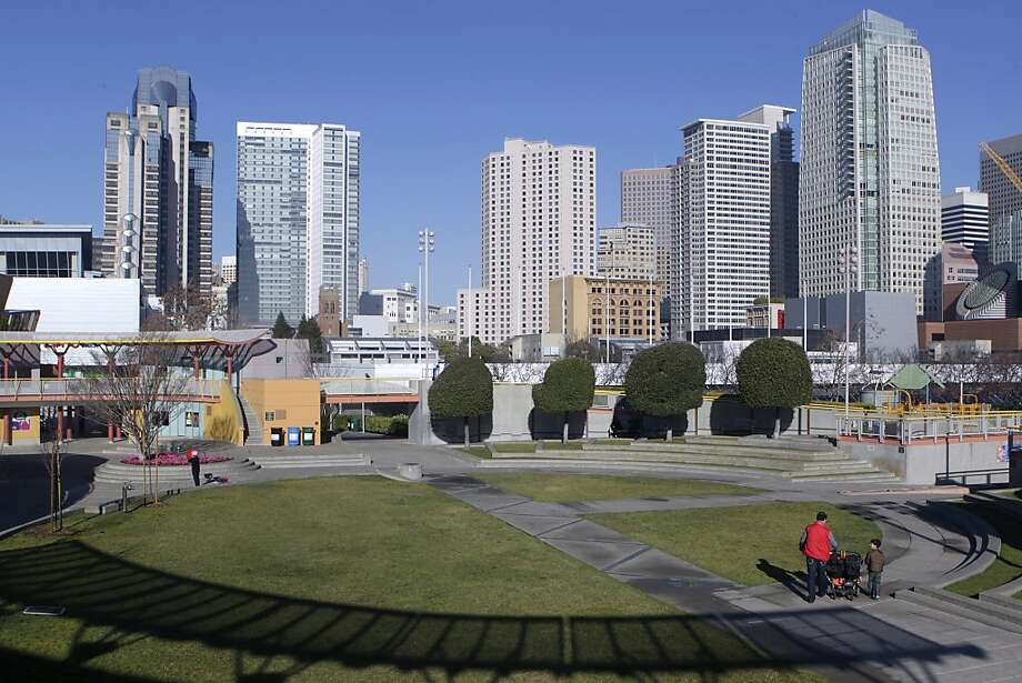 One of the possible sites for the Warriors is the area atop Moscone Center near children's spots. Photo: Paul Chinn, The Chronicle