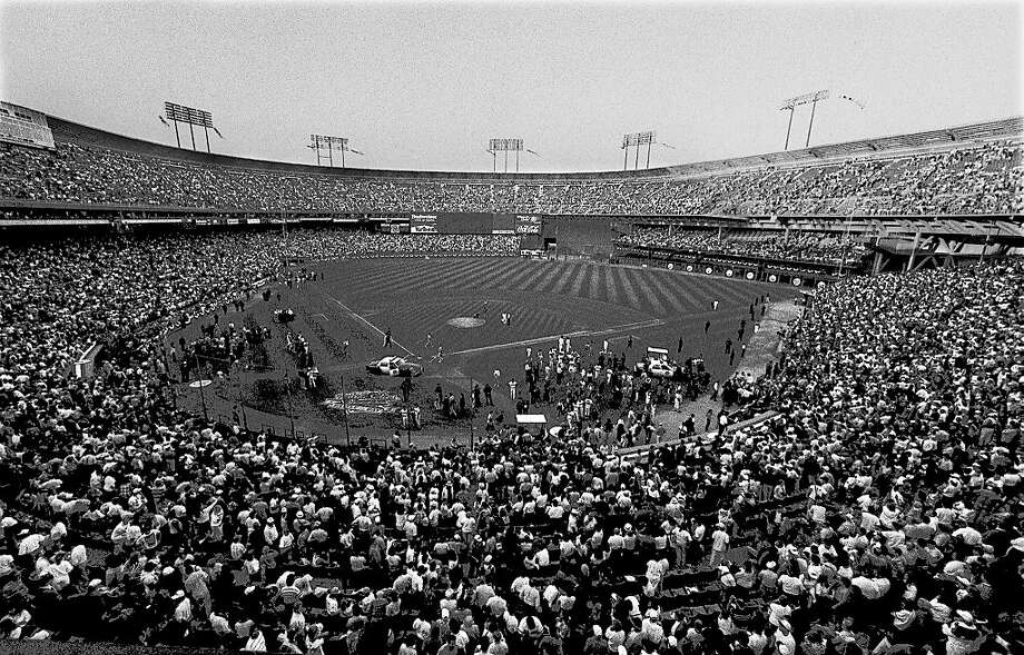 With more than 60,000 people gathered for Game 3 of the World Series, Candlestick Park - like the rest of the Bay Area - was rocked by a 6.9-magnitude earthquake Oct. 17, 1989. Photo: John O'Hara, Chronicle