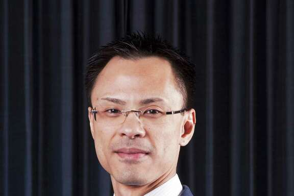 Dr. Kevin L. Gee, professor, University of Houston College of Optometry.