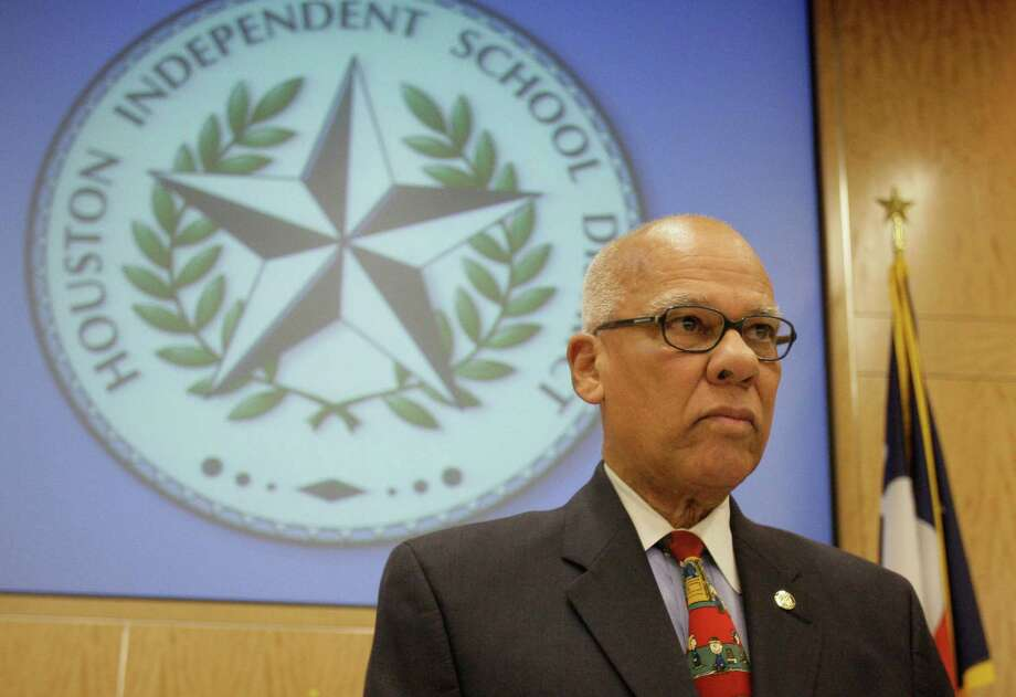 Larry Marshall was elected as the Houston ISD board president on Jan. 15, 2009. His first job as a principal, in 1962, was at his former elementary school. Photo: Melissa Phillip, Staff / Houston Chronicle