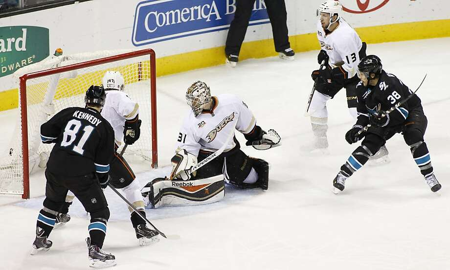 Bracken Kearns (38) watches as his shot eludes Ducks goalie Frederik Andersen in the second period. It was the first NHL goal for the 32-year-old Sharks left wing. Photo: George Nikitin, Associated Press