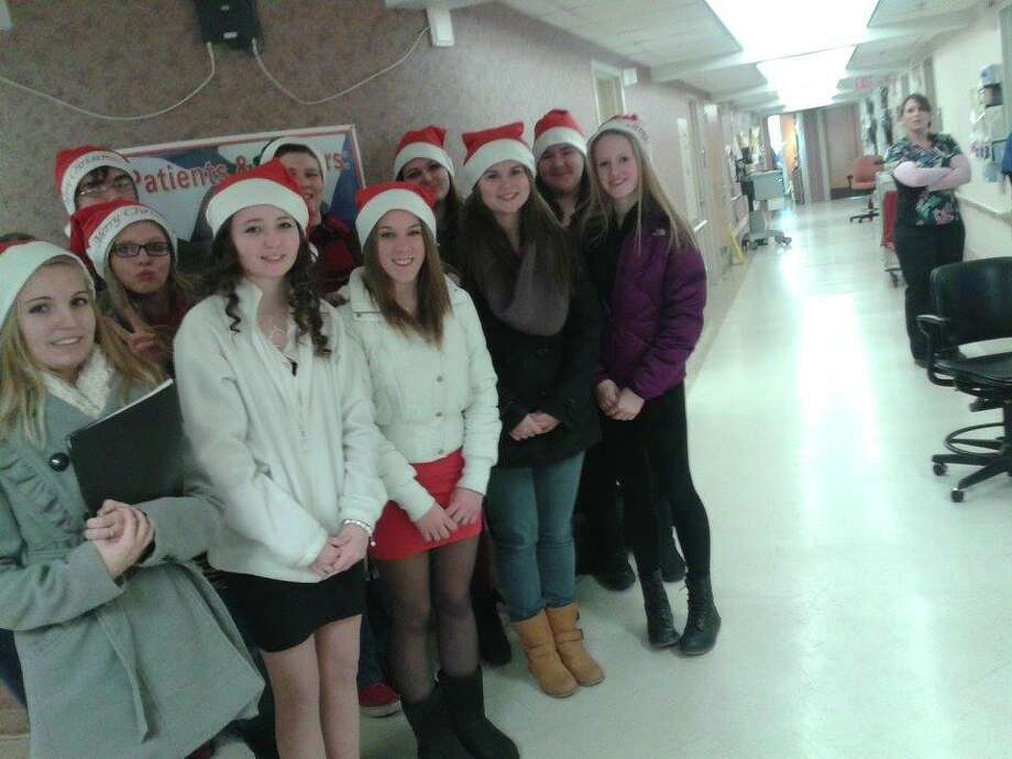 The singers also sang at the VA hospital, both in the lobby and  in a hallway. Photo: Chloe Snyder