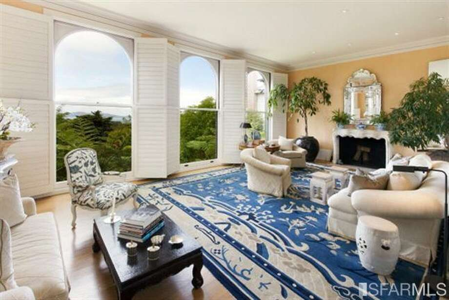 Bright living room with view. Photos: MLS/Ted Bartlett, Pacific Union International