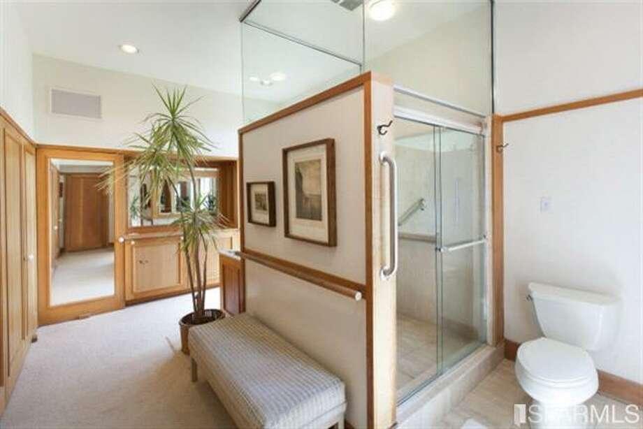 Bathroom. Photos: MLS/Ted Bartlett, Pacific Union International