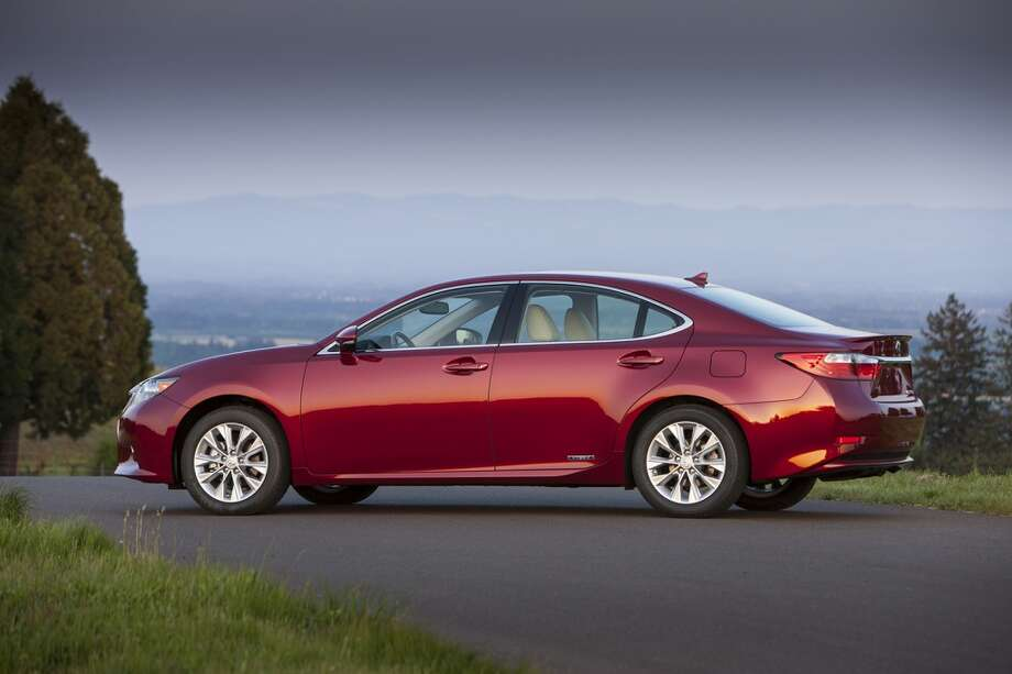 6. Lexus ES