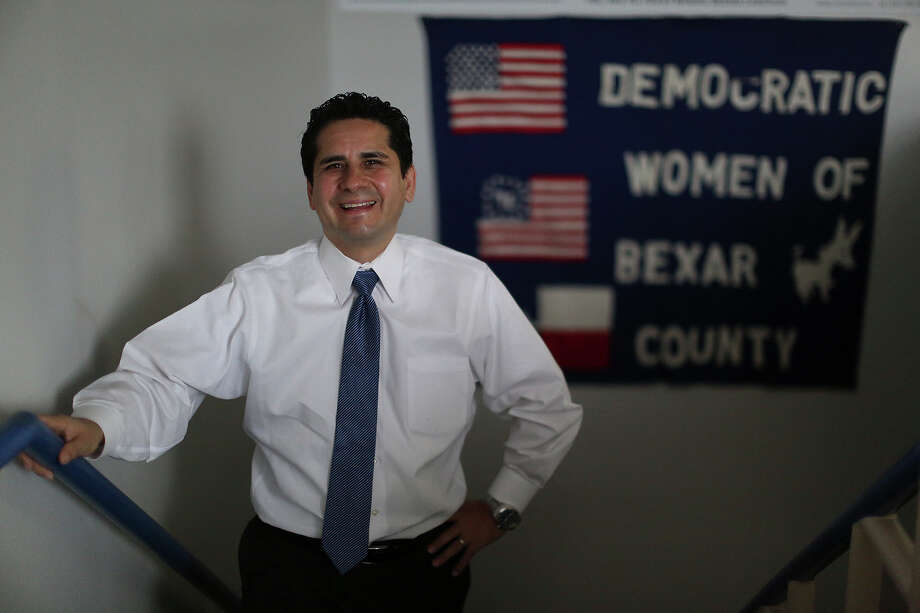 San Antonio voters and mayoral candidates should ignore Bexar County Democratic Chairman Manuel Medina's call for partisanship in the 2015 mayoral election. Photo: Lisa Krantz, San Antonio Express-News / San Antonio Express-News
