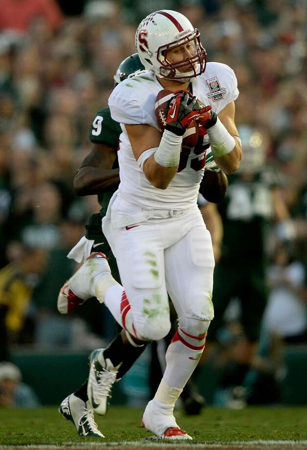 Wide receiver Devon Cajuste #89 of the Stanford Cardinal makes a 51-yard catch against the Michigan State Spartans in the third quarter. Photo: Kevork Djansezian, Getty Images