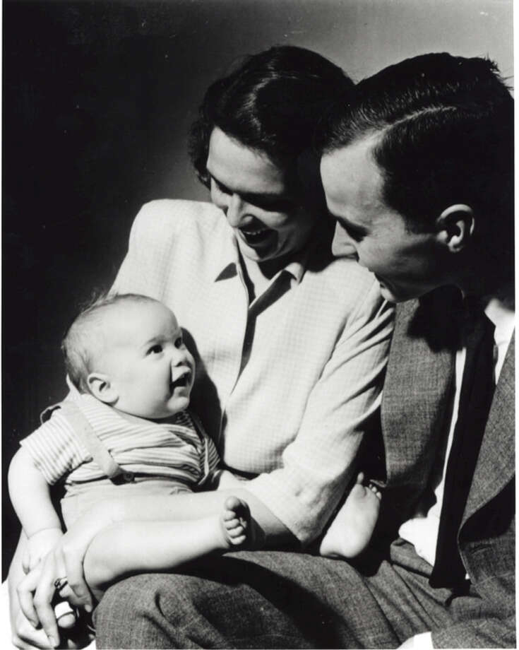 An infant George W. Bushis seenwith his mother BarbaraBush and his father George H.W. Bush posing for a portrait in New Haven, Conn, April 1947. Photo: Getty Images / Hulton Archive