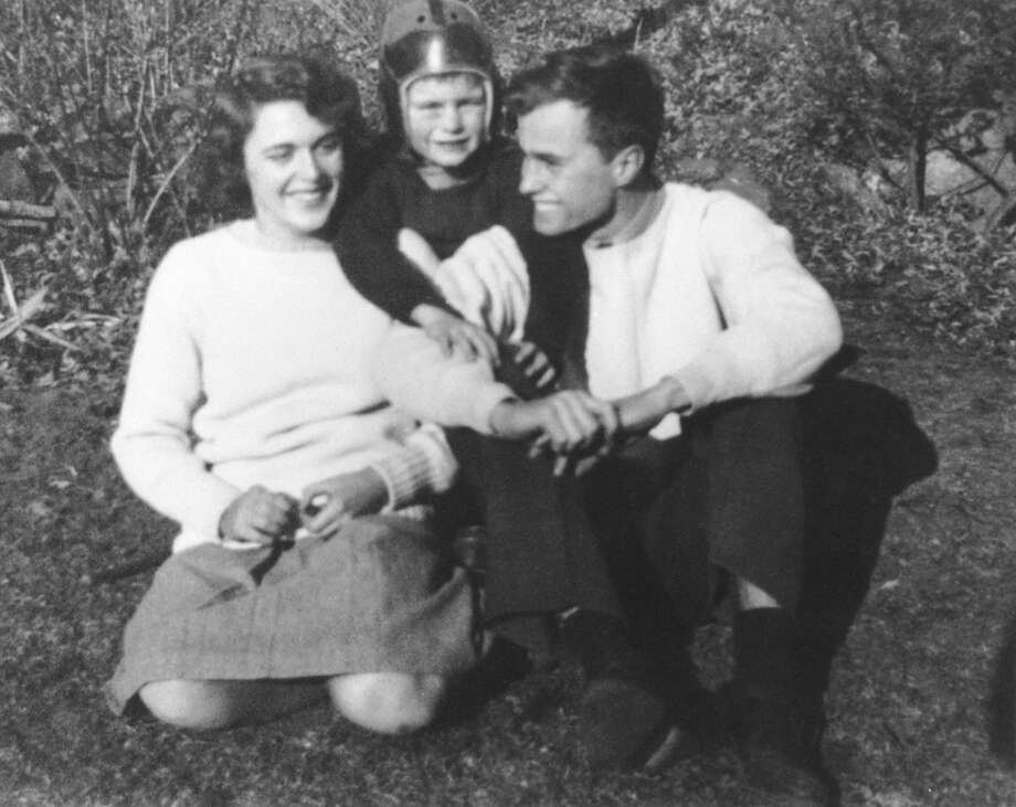 """George H.W. Bush with his brother William """"Bucky"""" and wife Barbara in the 1940s. Photo: AFP, AFP/Getty Images / AFP"""