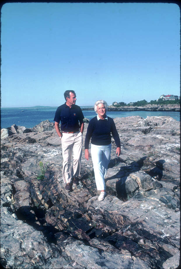 George H.W.  Bush stands with his wife Barbara iAugust 1983 in Kennebunkport, ME. Bush is vacationing in Maine with his family.  Photo: Cynthia Johnson, Getty Images / Hulton Archive