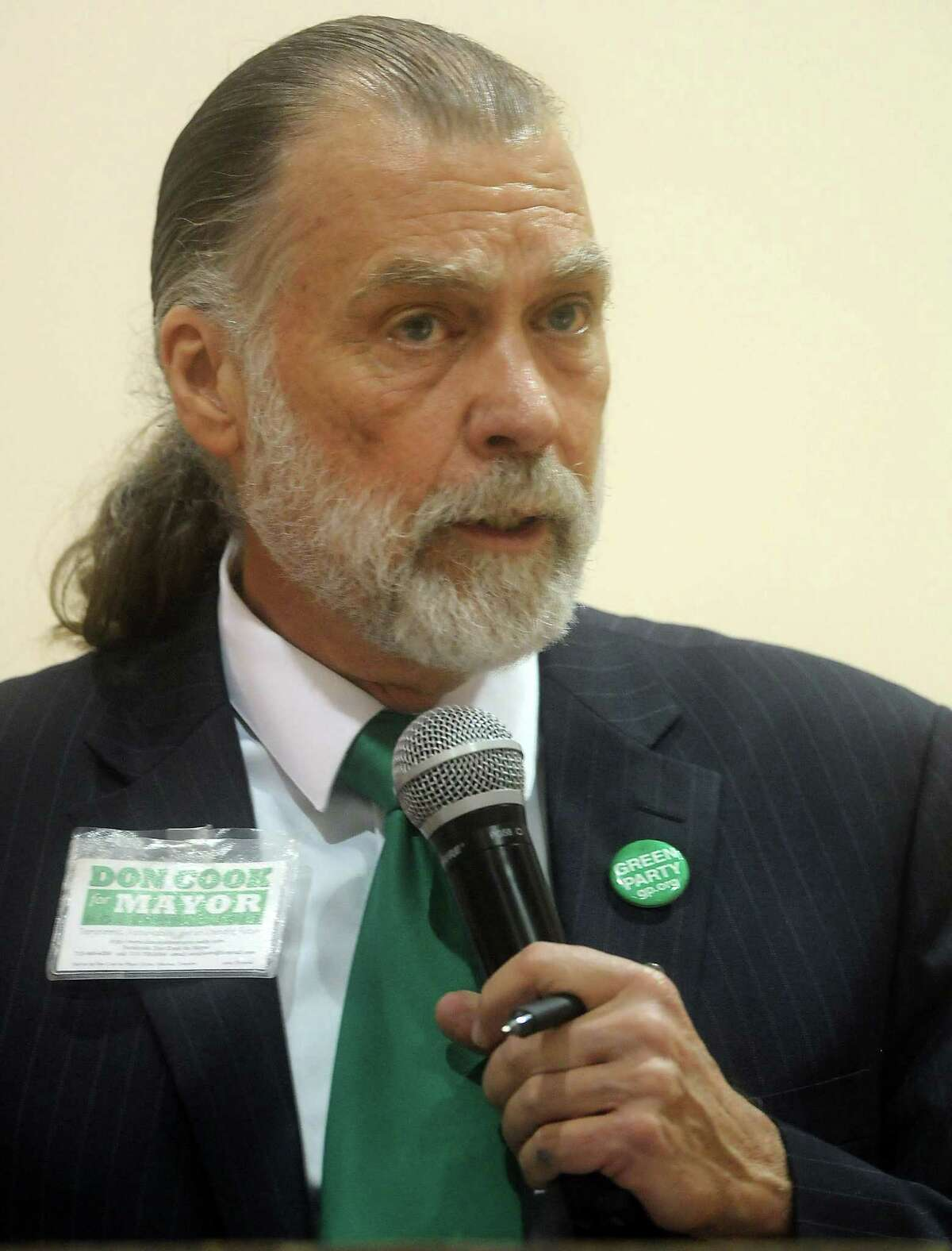 Candidate Don Cook at a 2013 Mayoral Forum sponsored by the Baptist Ministers Association of Houston at the J.J. Roberson Family Life Center August 17, 2013.(Dave Rossman photo)