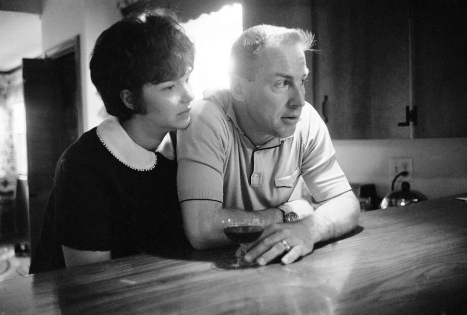 Marilyn Lovell sits with her husband, astronaut Jim Lovell, at the kitchen counter of their home in Houston, November 1965. Photo: Ralph Morse, Time & Life Pictures/Getty Image