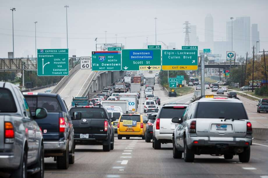 We asked our readers to share their ideas to fix Houston's traffic congestion in lieu of a new study that says more roadways are the key to our problems. Here are some of their solutions. Photo: Michael Paulsen, Houston Chronicle