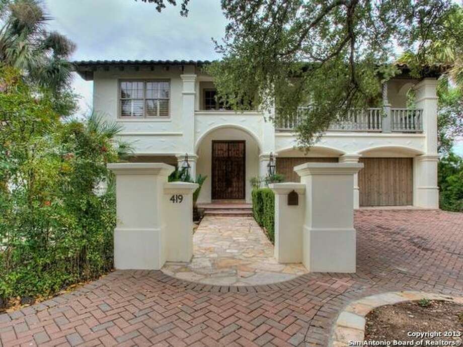 This Sante Fe style home in Alamo Heights was completely remodeled in the past year. 4 Bedrooms, 3 Full Baths, 1 Partial Baths, 3,987 Sq Ft, MLS: 1032656 Photo: San Antonio Board Of Realtors