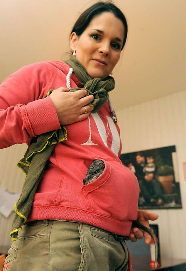 Is that a kangaroo in your pocket or are you just hoppy to see me?Julia Ismer, wife of the Tierpark Stroehen 