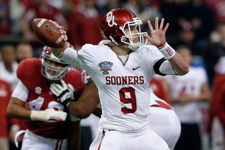 Trevor Knight #9 of the Oklahoma Sooners throws a pass against the Alabama Crimson Tide during the Allstate Sugar Bowl at the Mercedes-Benz Superdome on January 2, 2014 in New Orleans. Photo: Kevin C. Cox, Getty Images / 2014 Getty Images