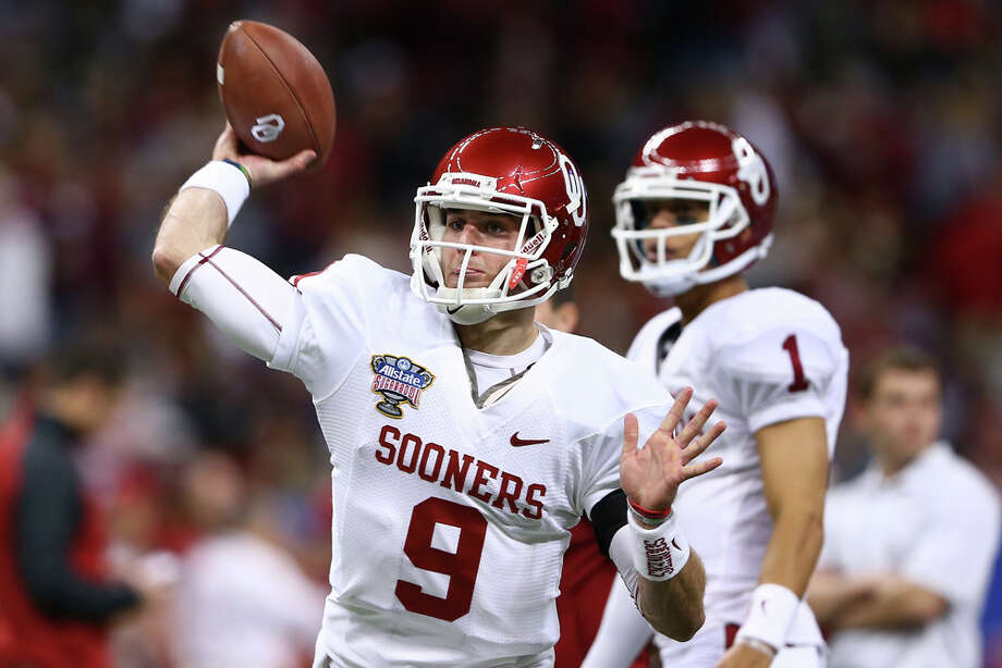 Trevor Knight #9 of the Oklahoma Sooners warms up prior to playing the Alabama Crimson Tide during the Allstate Sugar Bowl at the Mercedes-Benz Superdome on January 2, 2014 in New Orleans. Photo: Streeter Lecka, Getty Images / 2014 Getty Images