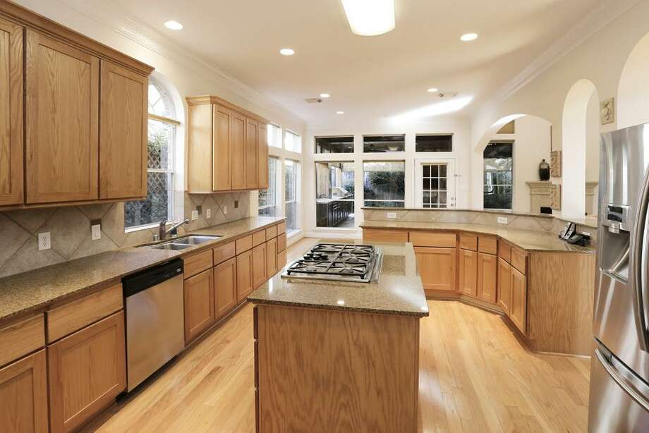 5314 Val Verde: This 1999 home has 3 bedrooms, 3.5 bathrooms, and 3,502 square feet. Open house: 1/5/2013, 2 p.m. to 4 p.m.