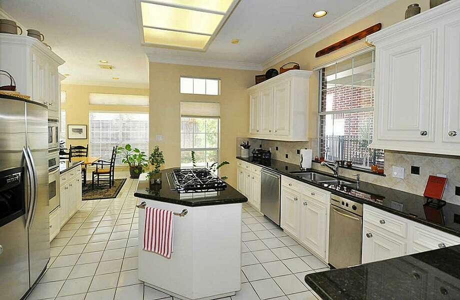 4710 Bellview: This 1990 home has 4-5 bedrooms, 3.5 bathrooms, and 3,792 square feet. Open house: 1/5/2013, 2 p.m. to 4 p.m.