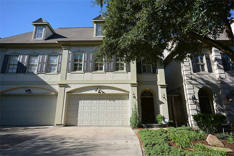 2200 Mid Lane: This 1998 home has 3-4 bedrooms, 2.5 bathrooms, and 3,080 square feet. Open house: 1/5/2013, 3 p.m. to 5 p.m.