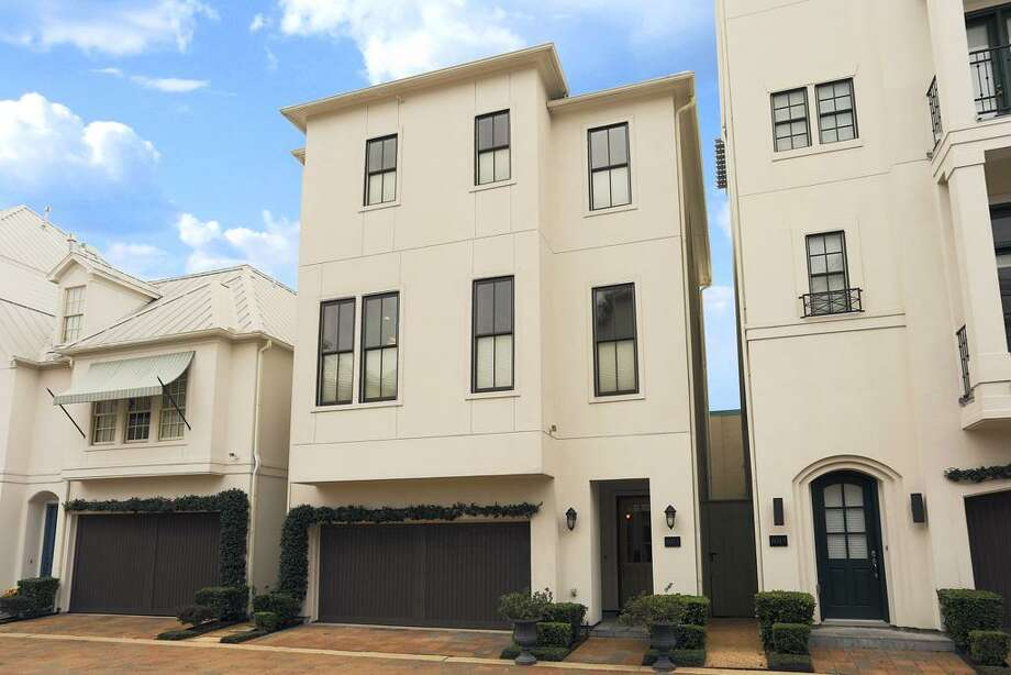 6011 Post Oak Green: This 2007 home has 3 bedrooms, 3.5 bathrooms, and 2,752 square feet. Open house: 1/5/2013, 2 p.m. to 4 p.m.