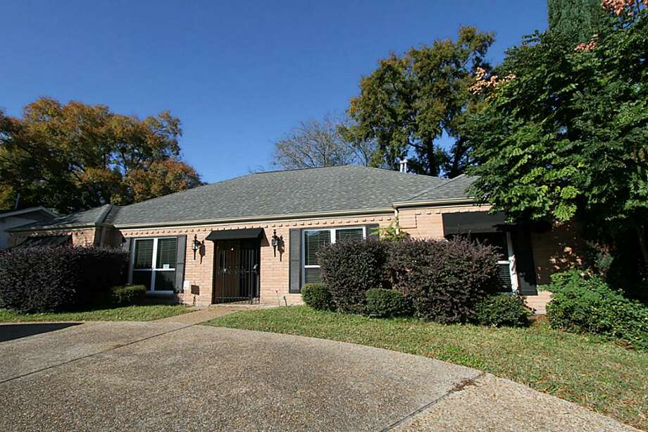 6212 San Felipe: This 1955 home has 4 bedrooms, 2 bathrooms, and 2,348 square feet. Open house: 1/5/2013, 2 p.m. to 4 p.m.