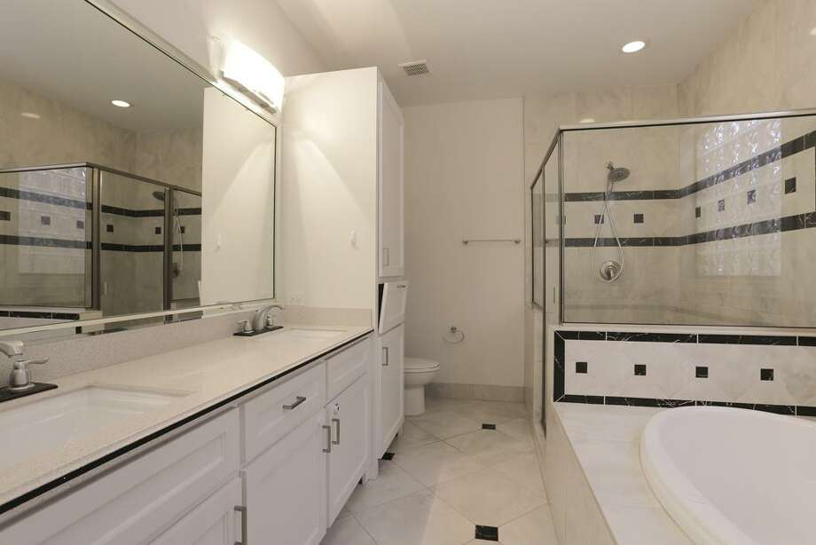 1803 Arbor: This 2010 home has 3 bedrooms, 3.5 bathrooms, and 2,510 square feet. Open house: 1/5/2013, 2 p.m. to 5 p.m.