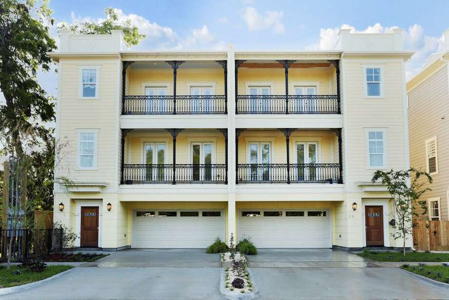 2361 Ashland: This 2013 townhome has 3 bedrooms, 3.5 bathrooms, and 2,289 square feet. Open house: 1/5/2013, 2 p.m. to 4 p.m.