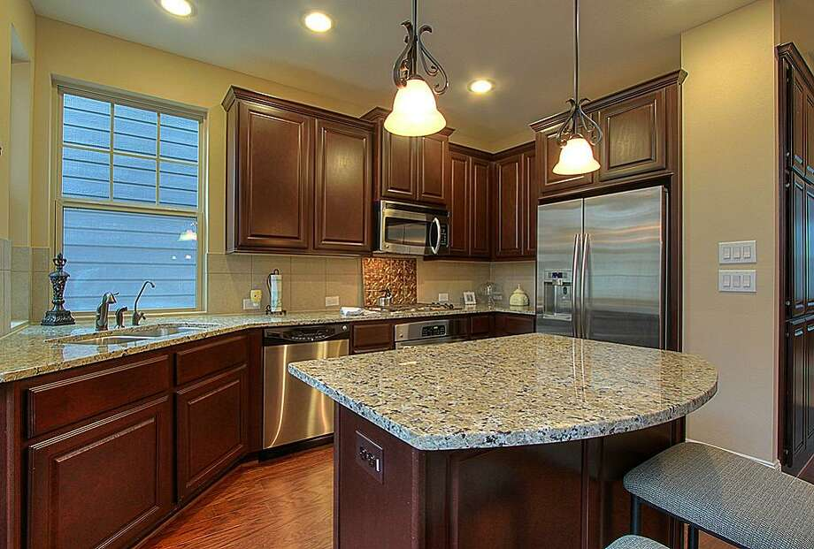 742 Nicholson: This 2011 home has 3 bedrooms, 3.5 bathrooms, and 1,565 square feet. Open house: 1/5/2013, 2 p.m. to 4 p.m.