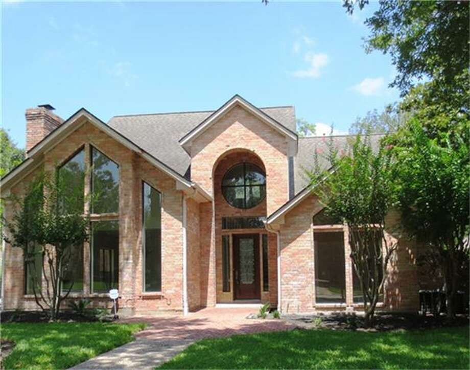 6106 Hampton Way: This 1989 home has 4-5 bedrooms, 3.5 bathrooms, and 3,447 square feet. Open house: 1/5/2013, 2 p.m. to 4 p.m.
