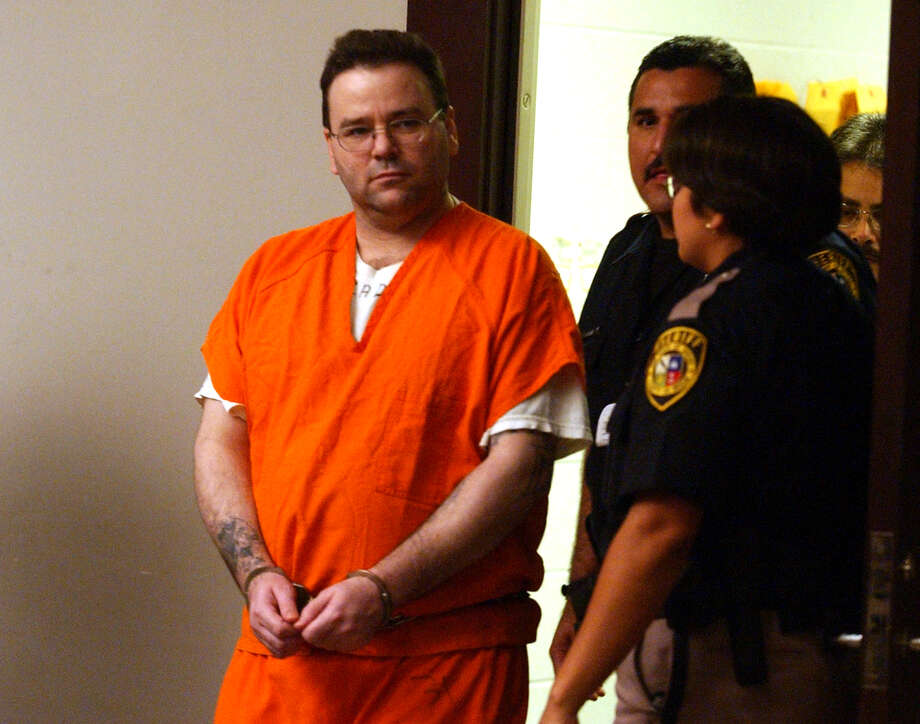 Tommy Lynn Sells enters the courtroom at the Bexar County Justice Center on Sept. 11, 2003, to plead guilty to capital murder of 9-year-old Mary Bea Perez, whose disappearance from