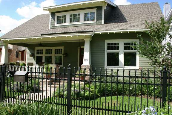 The Heights, which has classic bungalows, was the most popular neighborhood in Houston for those looking for homes last year, according to a study. from the neighborhood as well as a cutting-edge home that was formerly a washateria.