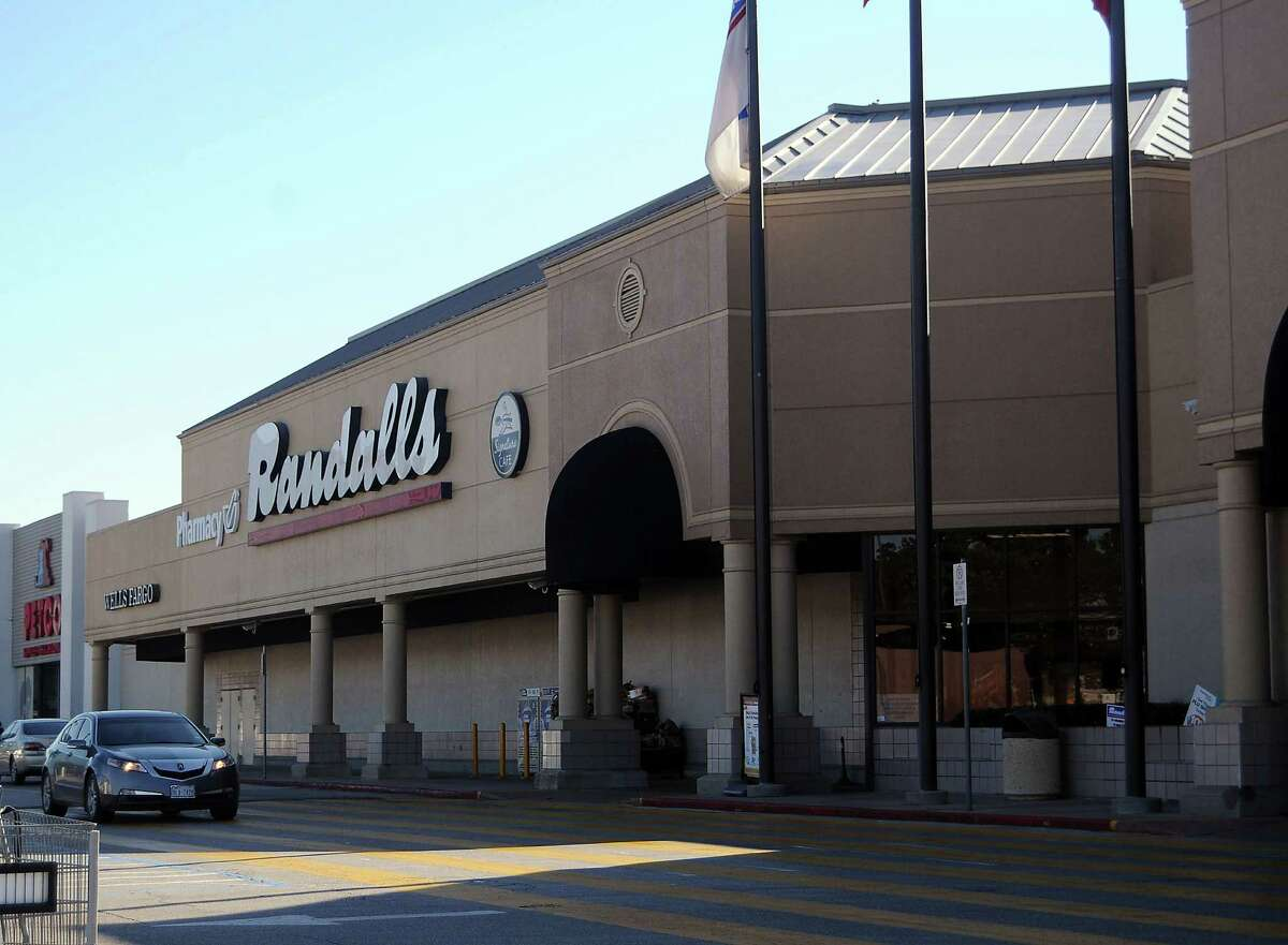 Randalls will have 30 Houston-area stores after this location closes at 11041 Westheimer in Westchase Shopping Center.