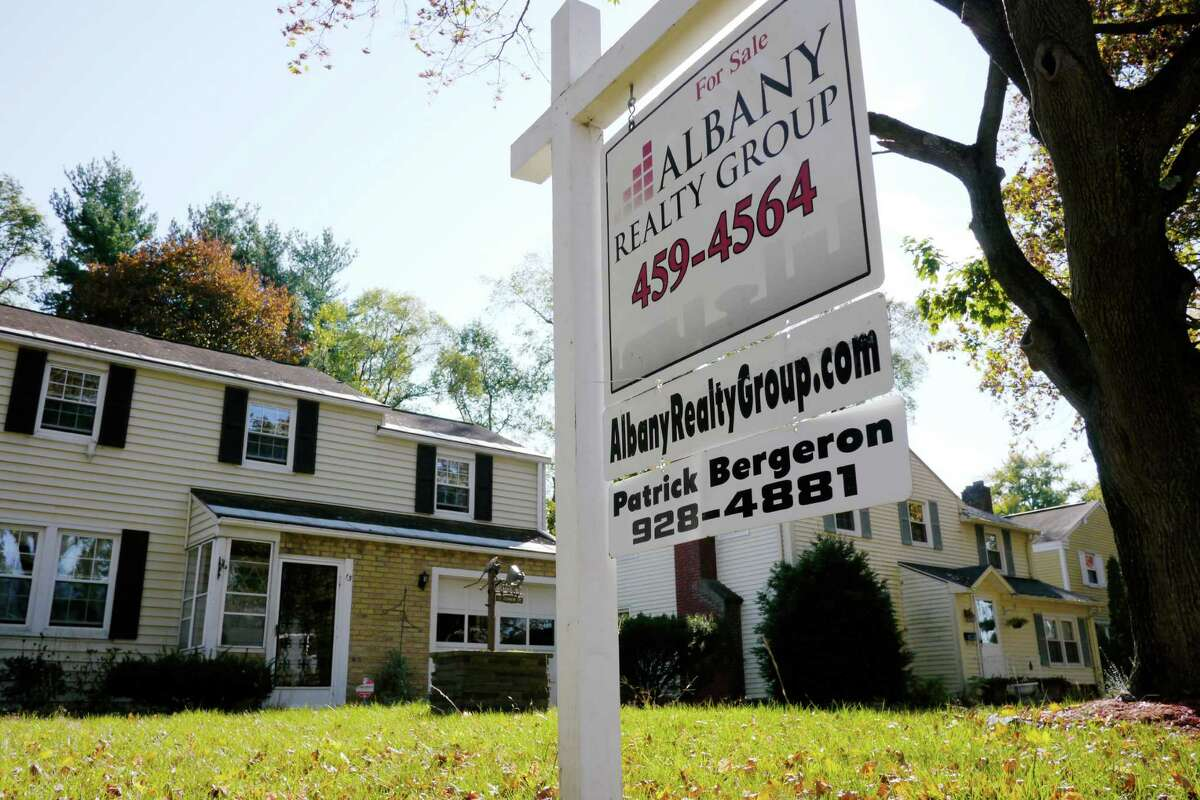 What turns up when searching for median Albany home price:Georgia: $83,300New York: $159,200Oregon: $207,800Australia: $294,812